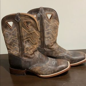 Cody James Wide Square Toe Western Boot